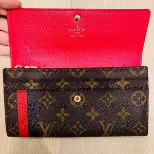 Louis Vuitton Bags - Authentic Louis Vuitton Mon Monogram Sarah wallet